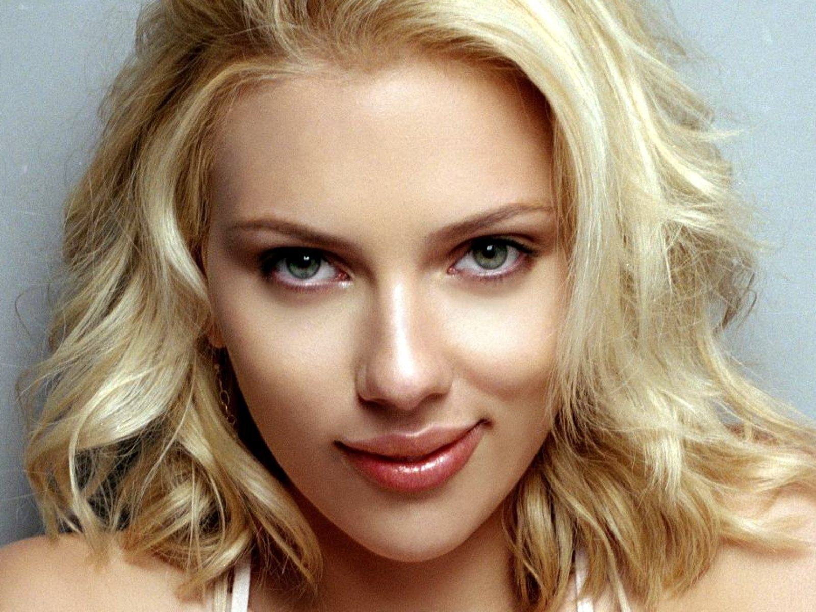 20 hottest performances of scarlett johansson that will rock your night